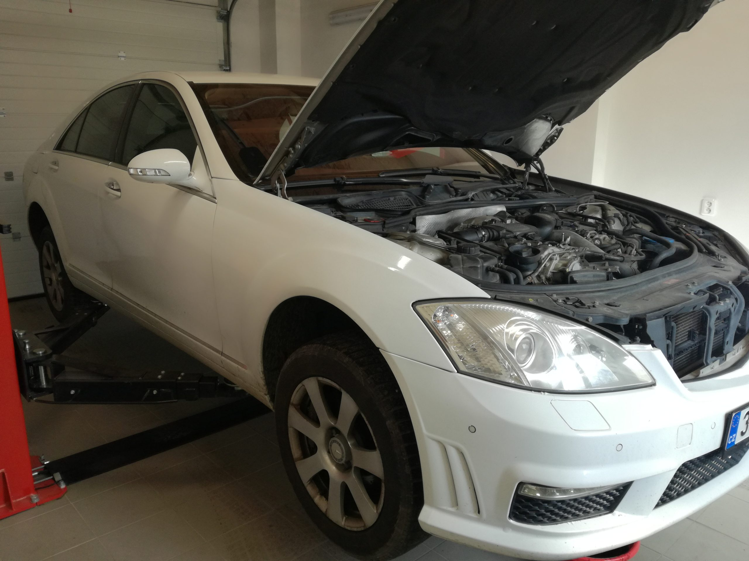 Servis a oprava Mercedes Benz S211